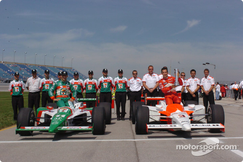 Front row for the Delphi Indy 300 at Chicagoland Speedway: pole