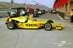 La voiture du Panther Racing retourne au garage