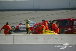 Tomas Scheckter en dehors de la voiture
