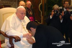 Marlboro Team Penske driver Helio Castroneves had the once-in-a-lifetime opportunity to meet Pope John Paul II while he was in the Vatican