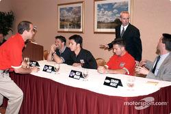Michael Andretti, Bruno Junqueira, Nicolas Minassian avant la conférence de presse