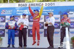 Podio: Michael Andretti, Chip Ganassi, Bruno Junqueira y Adrián Fernández