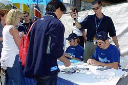 Séance d'autographes : Alex Tagliani et Patrick Carpentier