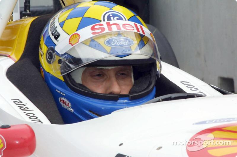 Kenny Bräck gewinnt das Rennen unter Gelb