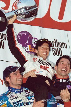 Le podium : le vainqueur Cristiano da Matta avec Alex Tagliani et Max Papis