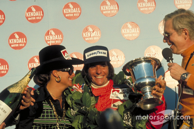 Race winner Emerson Fittipaldi, McLaren