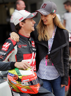 Esteban Gutierrez, Haas F1 Team avec sa compagne Monica Casan