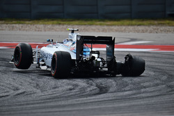 Valtteri Bottas, Williams FW38 with a puncture