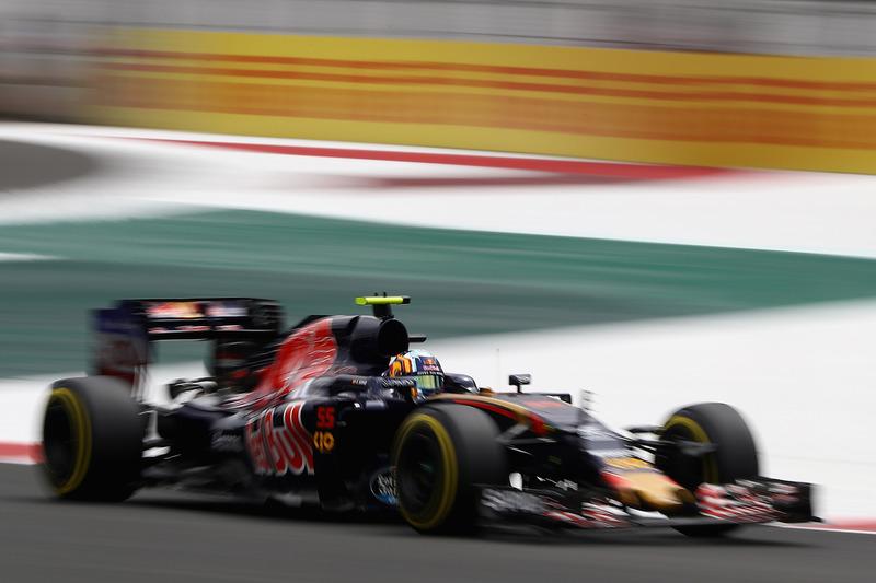 16. Carlos Sainz Jr., Scuderia Toro Rosso STR11