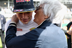 Max Verstappen, Red Bull Racing talks with F1 supremo Bernie Ecclestone