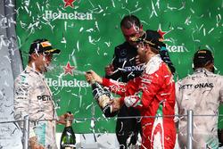 Podium: ganador, Lewis Hamilton, Mercedes AMG F1, segundo, Nico Rosberg, Mercedes AMG F1, tercero Sebastian Vettel, Ferrari