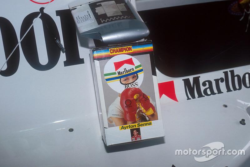 Останній вікенд Сенни у McLaren розпочався з жарту