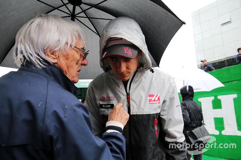 Bernie Ecclestone y Esteban Gutiérrez, Haas F1 Team