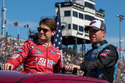 Landon Cassill, Front Row Motorsports Ford, Regan Smith, Tommy Baldwin Racing Chevrolet