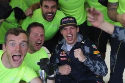 Max Verstappen, Red Bull Racing viert zijn derde plaats