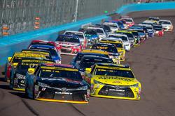 Restart: Denny Hamlin, Joe Gibbs Racing Toyota, Matt Kenseth, Joe Gibbs Racing Toyota lead