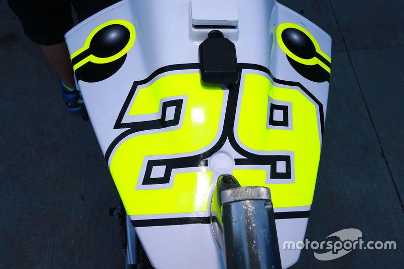 Detalhe da moto de Andrea Iannone