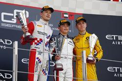Race winner Nyck De Vries, ART Grand Prix 2nd place Jake Dennis, Arden International and 3rd place Jack Aitken, Arden International  World