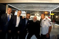 Ed Bennett, IMSA Direktörü; Jens Marquardt, BMW Motorsporları Direktörü; Ludwig Willisch, BMW Kuzey Amerika; John Baldessari; Bill Auberlen