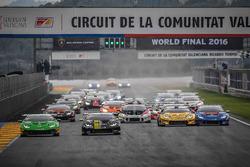 Start: Loris Spinelli, Antonelli Motorsport lider