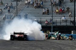 Josef Newgarden, Ed Carpenter Racing, Mikhail Aleshin, Schmidt Peterson Motorsports crash