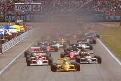 Start: Ayrton Senna, Team Lotus Honda 99T leads