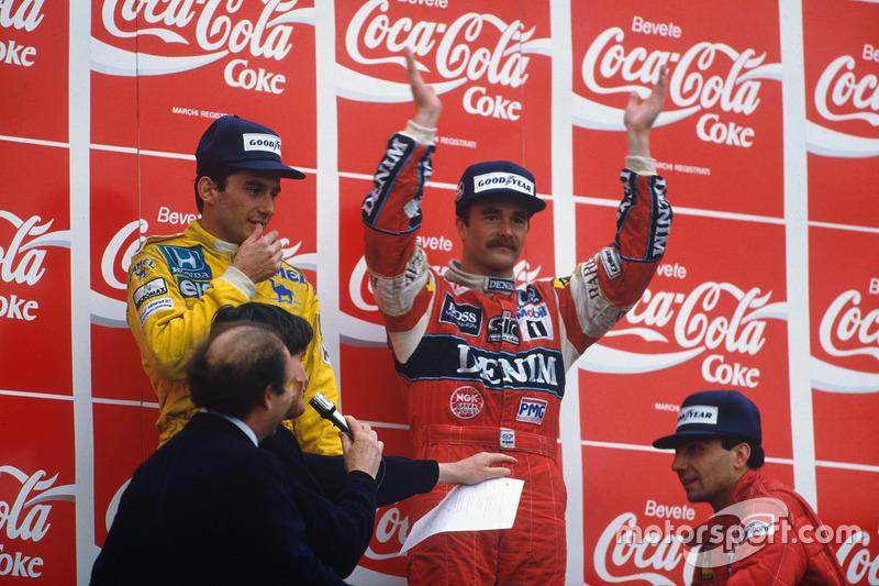 Podio: ganador de la carrera Nigel Mansell, Williams, segundo lugar Ayrton Senna, Team Lotus, tercer lugar Michele Alboreto, Ferrari