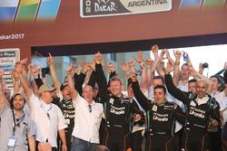 #500 Team De Rooy, IVECO: Герард де Рой, Моі Торраллардона, Дарек Родевальд