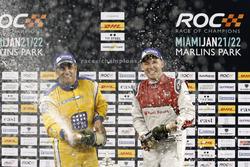 Podium: Race winner Juan Pablo Montoya, second place Tom Kristensen