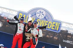 I vincitori Jari-Matti Latvala, Miikka Anttila, Toyota Racing con Tommi Makinen