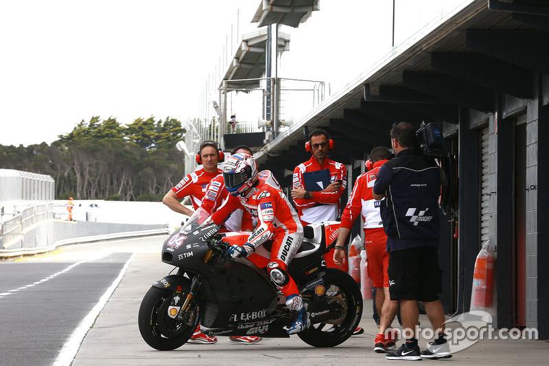 Лоренсо и Ducati очевидно отстают
