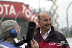 Motorsport.com's Jack Durbin with Bobby Rahal