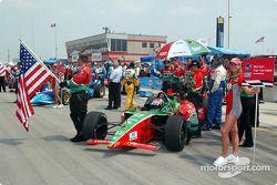 Adrian Fernandez on the starting grid