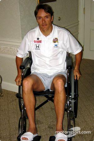 Primeros días en silla de ruedas para Adrián Fernández