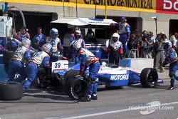Arrêt au stand pour Michael Andretti