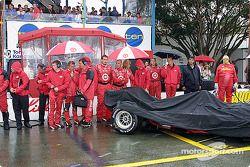 Ganassi Racing crew members on starting grid