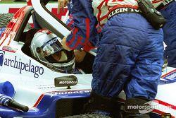 Michael Andretti gets ready