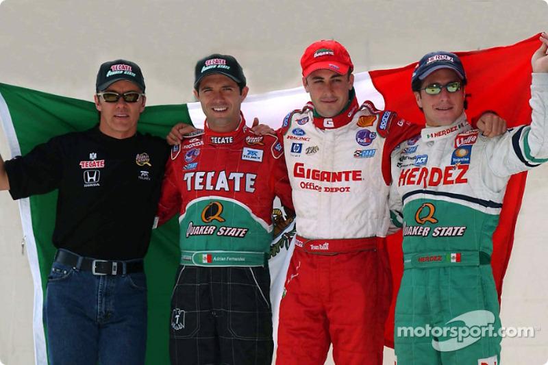 Los cuatro pilotos mexicanos: Adrián Fernández, Luis Díaz, Michel Jourdain Jr. y Mario Domínguez