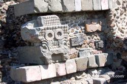 Visit at Teotihuacan pyramids: Stone work at temple