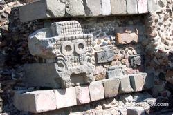 Visit at Teotihuacan pyramids: Sun God at temple
