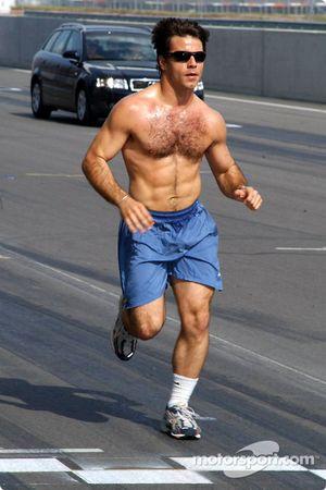 Oriol Servia jogs the EuroSpeedway