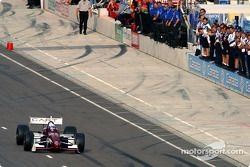 Alex Zanardi starts his 13-lap demo run