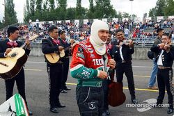 Mariachi band to support Adrian Fernandez