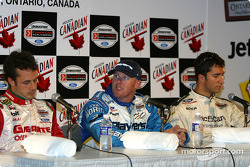 Conference de presse: poleman Paul Tracy avec Bruno Junqueira et Michel Jourdain Jr.