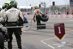 L'équipe Newman-Haas est prête pour un arrêt aux stands