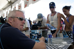 Autograph session for Paul Tracy