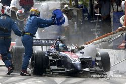 Pitstop gone bad for Ryan Hunter-Reay