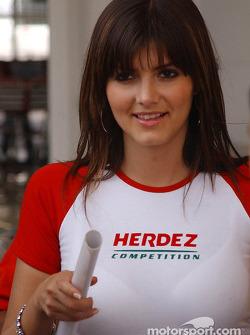 Une charmante Herdez girl