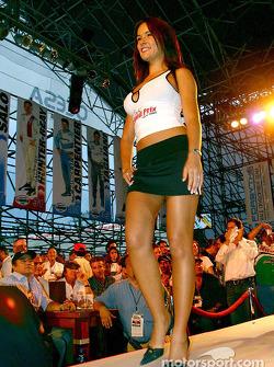 Le concours Miss Grand Prix 2003