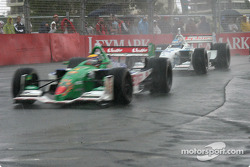 La pluie commence à tomber : Roberto Moreno